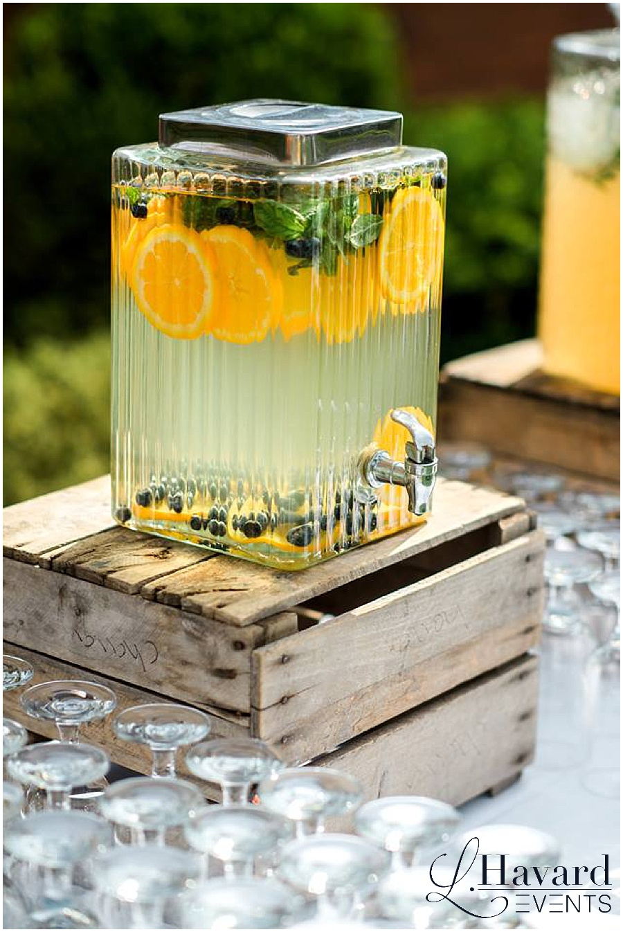 spring-wedding-beverage-station-river-farm-garden